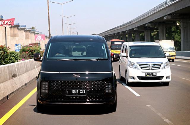 Berita Menarik: EHang 216 Tampil di Senayan; Hyundai Staria Sudah Laku 70 Unit (109371)