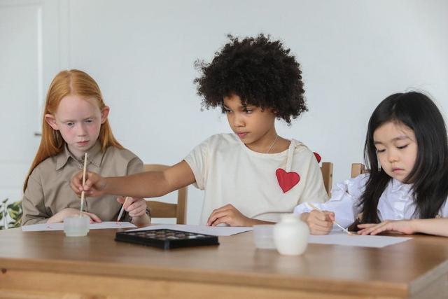 8 Manfaat Kegiatan Pameran Seni di Sekolah (67705)