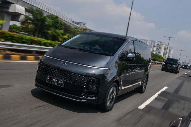 Foto: Perjalanan Jakarta-Bandung dengan Hyundai Staria (743952)