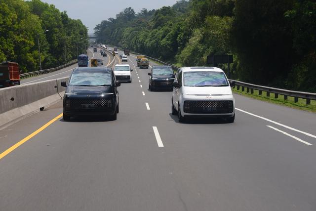 Foto: Perjalanan Jakarta-Bandung dengan Hyundai Staria (743946)