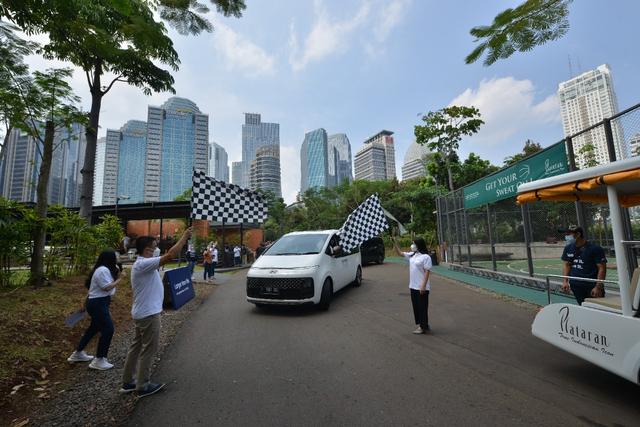 Foto: Perjalanan Jakarta-Bandung dengan Hyundai Staria (743948)