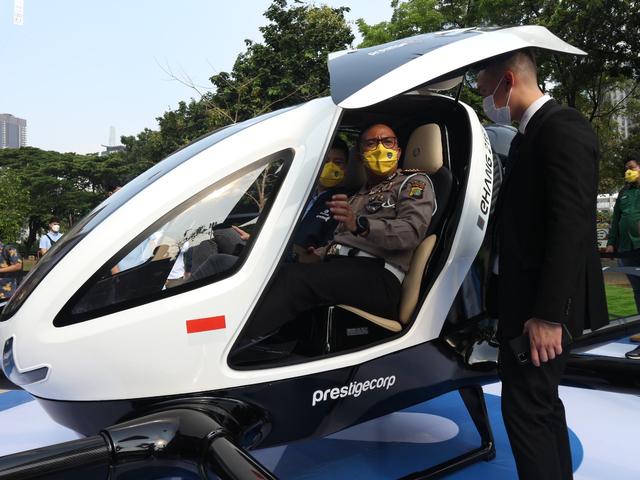Foto: Taksi Terbang EHAng 216 Tampil Perdana di Senayan (390469)