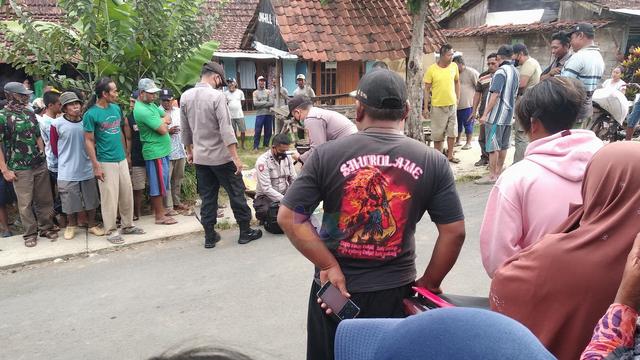 Seorang Pria di Tuban Tewas Dibacok Tetangganya (201444)