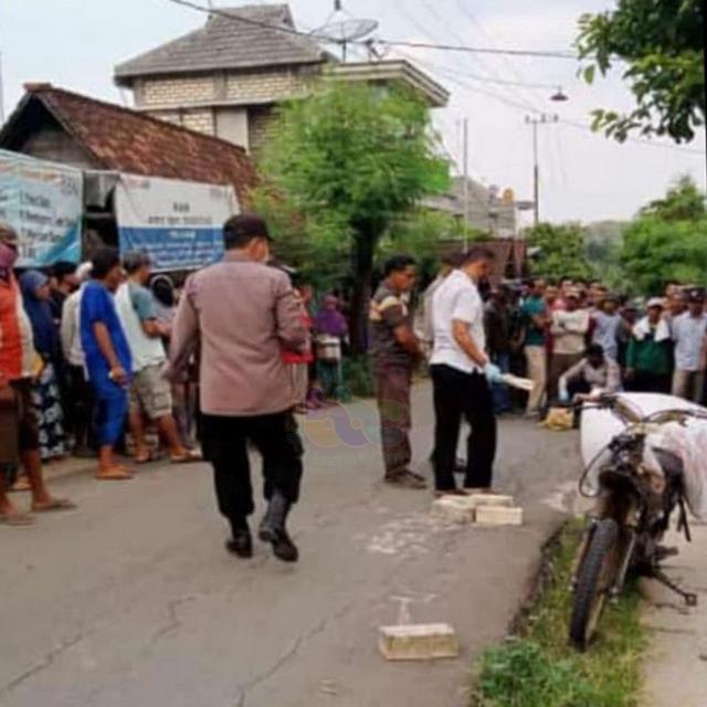 Seorang Pria di Tuban Tewas Dibacok Tetangganya (201445)