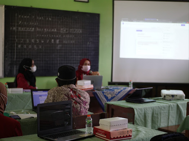 Mahasiswa PMM-UMM Menerapkan Penyusunan AKM di Gugus V Kec. Tumpang, Kab. Malang (146268)