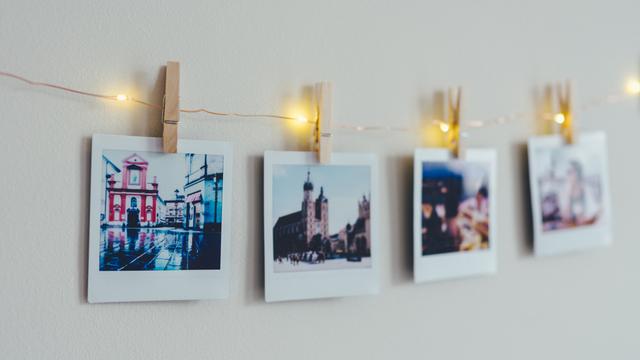 Tips Fotografi: Cara Merawat Hasil Foto Polaroid Agar Tak Mudah Pudar (149793)