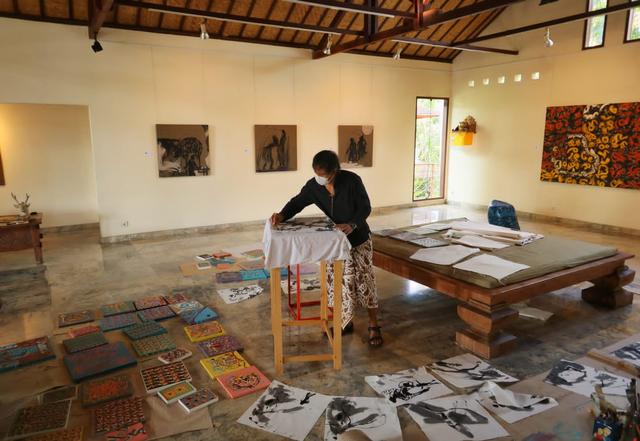 Gairahkan Seni Kala Pandemi, Perupa Suklu Gelar 'Mobile Art' Keliling Bali (686868)