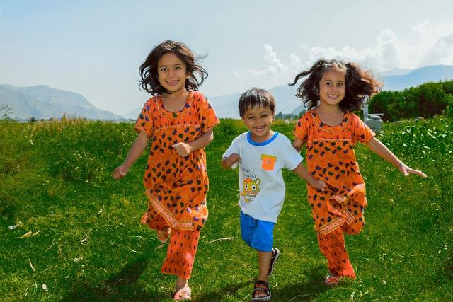 Tahap Perkembangan Anak Usia 2 Tahun, Mulai Lancar Bicara hingga Makin Mandiri (71051)