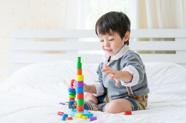 Tahap Perkembangan Anak Usia 2 Tahun, Mulai Lancar Bicara hingga Makin Mandiri (71053)