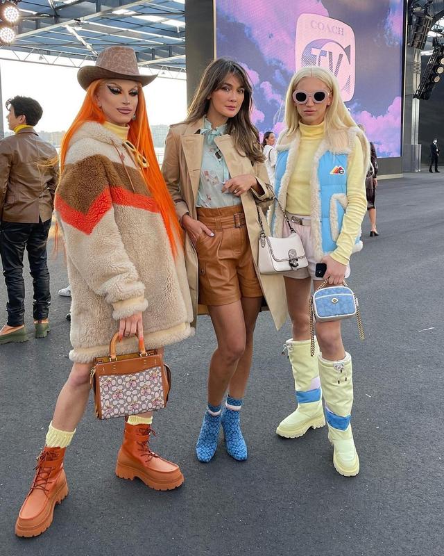 Gaya Busana Luna Maya saat Hadir di Coach New York Fashion Week 2022 (856146)
