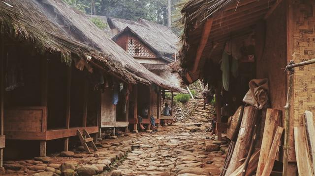 4 Persamaan dan Perbedaan Cara Hidup Suku Baduy dengan Suku Lainnya (872788)