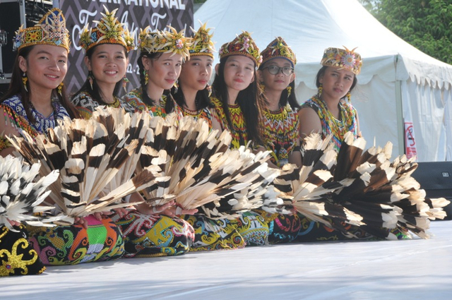 Suku-Suku di Pulau Kalimantan: Kutai hingga Tidung (919286)