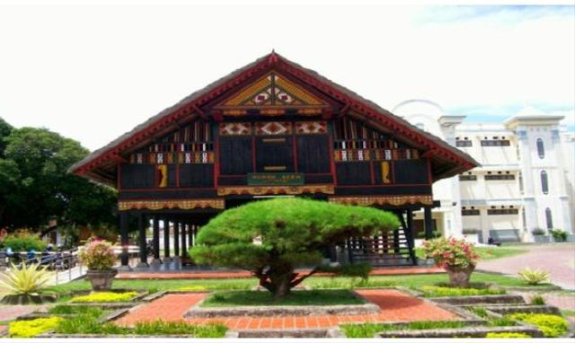 5 Keragaman Rumah Adat di Indonesia Lengkap dengan Penjelasannya (74415)