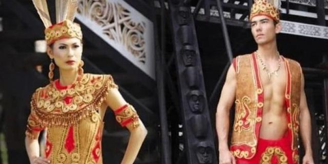 Keunikan Pakaian Adat Kalimantan Barat beserta Aksesoris dan Maknanya (154637)