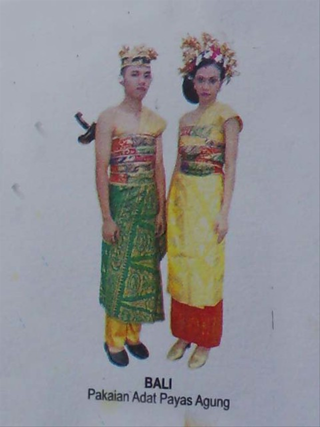 Keunikan Pakaian Adat Bali Berdasarkan Fungsinya (401919)