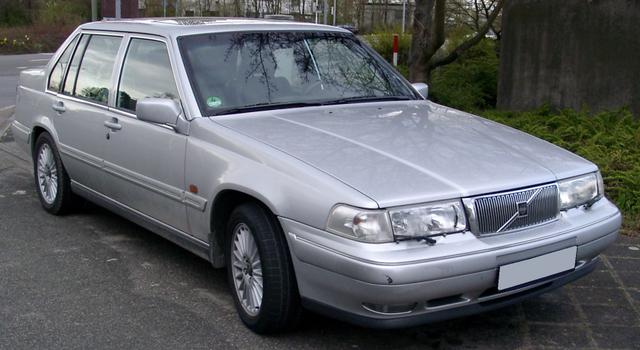 5 Mobil Sedan Tahun 90-an yang Masih Tetap Keren Dipakai Saat Ini (417344)