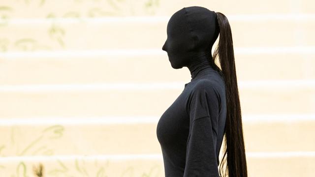 Kim Kardashian Tampil dalam Kostum Tanpa Wajah di Met Gala, Ini Detailnya (8920)