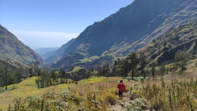 10 Hal Menarik yang Harus Kamu Tahu Tentang Jalur Torean Gunung Rinjani (72873)