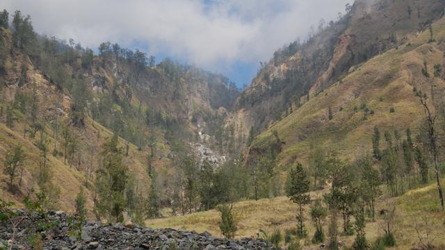 10 Hal Menarik yang Harus Kamu Tahu Tentang Jalur Torean Gunung Rinjani (72874)