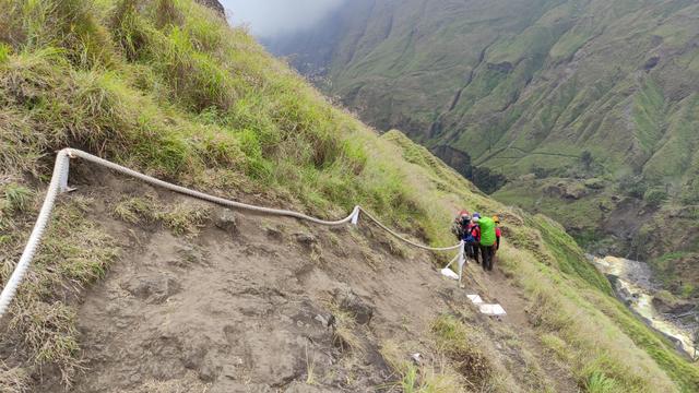 10 Hal Menarik yang Harus Kamu Tahu Tentang Jalur Torean Gunung Rinjani (72879)