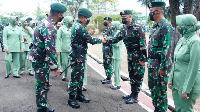 Ketua MUI Sentil Letjen TNI Dudung: Bagi Kami Umat Islam, yang Benar Agama Islam (89208)