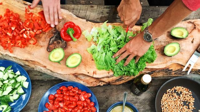Pakar Jelaskan Kenapa Bumbu Masakan yang Diulek Lebih Enak daripada Diblender (1014506)