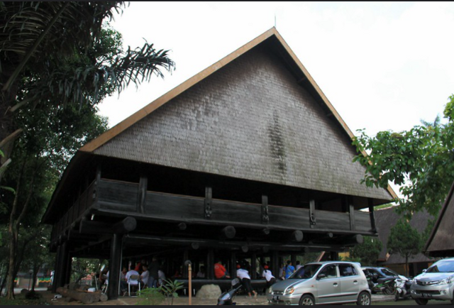 5 Keunikan Rumah Adat Tambi dari Provinsi Sulawesi Tengah (147857)