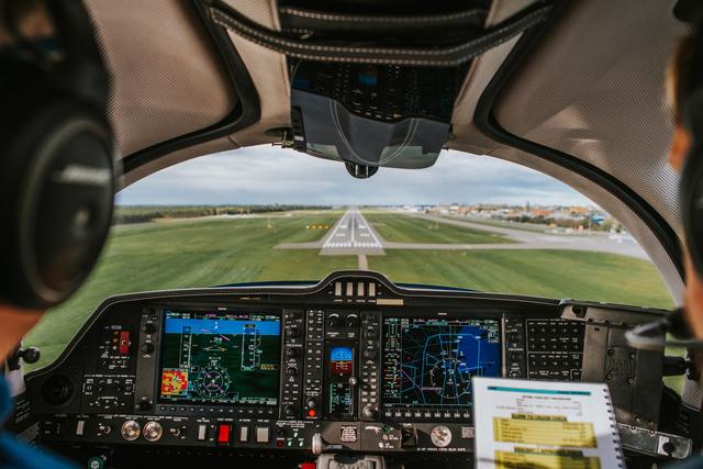 Profesi di Dunia Penerbangan, dari Pilot hingga Air Traffic Control (9106)
