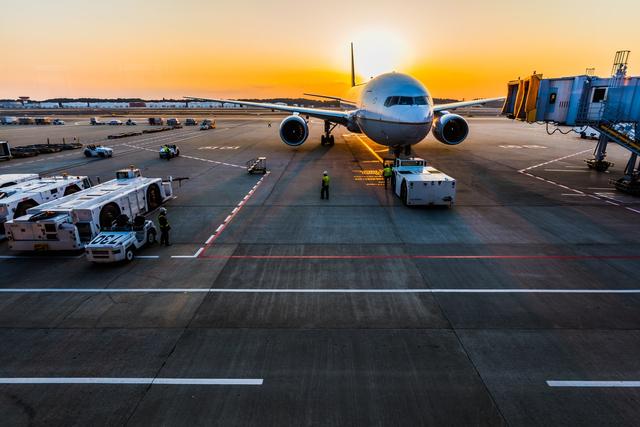 Profesi di Dunia Penerbangan, dari Pilot hingga Air Traffic Control (9107)