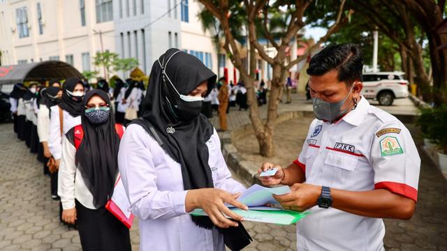 Foto: Ujian Seleksi PNS Aceh, Ketat Prokes (13501)