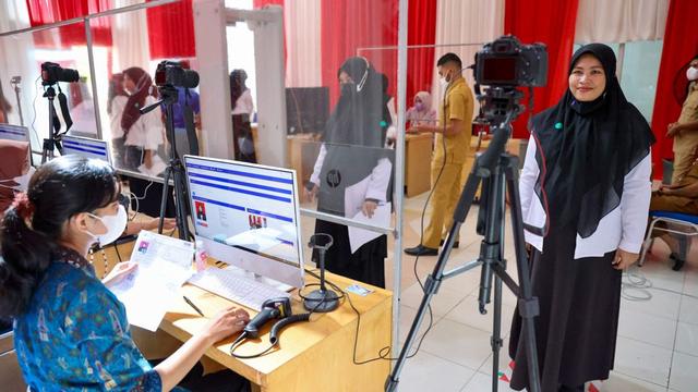 Foto: Ujian Seleksi PNS Aceh, Ketat Prokes (13504)
