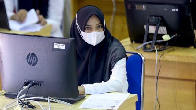 Foto: Ujian Seleksi PNS Aceh, Ketat Prokes (13507)