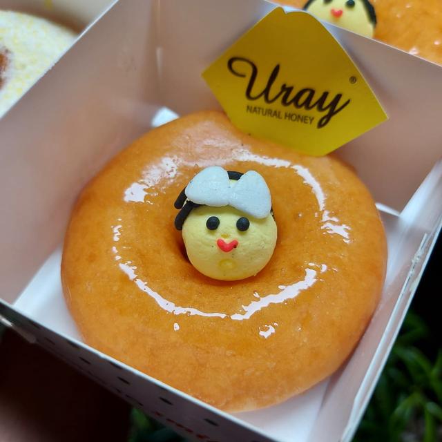 Lembut dan Empuk, Donat Krispy Kreme Berlapis Madu Uray Bak Jeli (883262)
