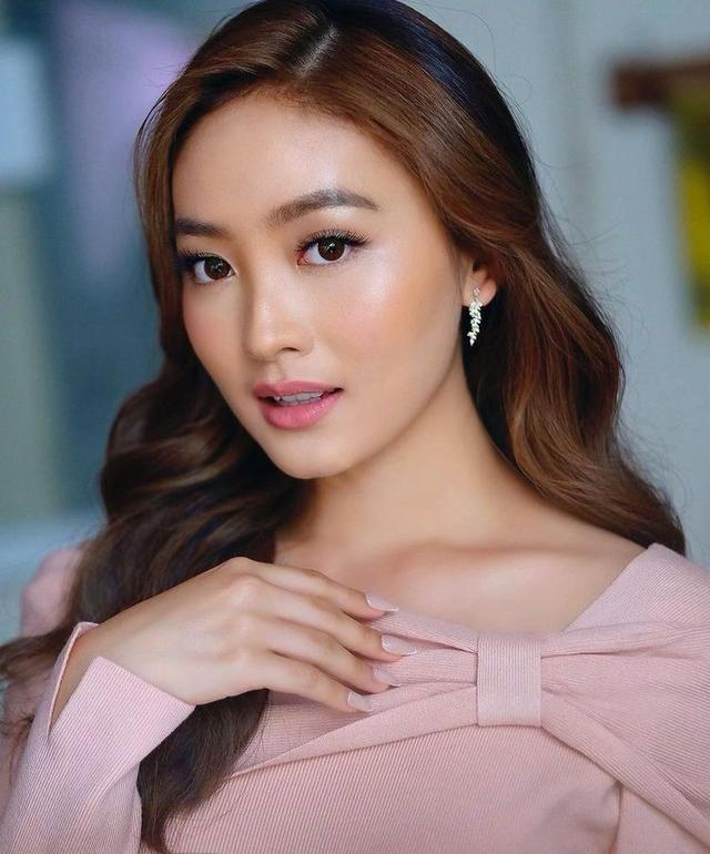 Natasha Wilona Heran Tiba-Tiba Masuk Nominasi 100 Perempuan Tercantik Dunia (922562)