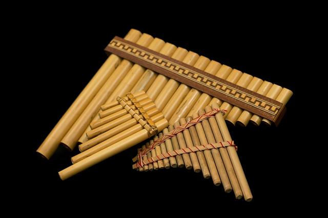 12 Alat Musik Tradisional dan Cara Memainkannya (101823)
