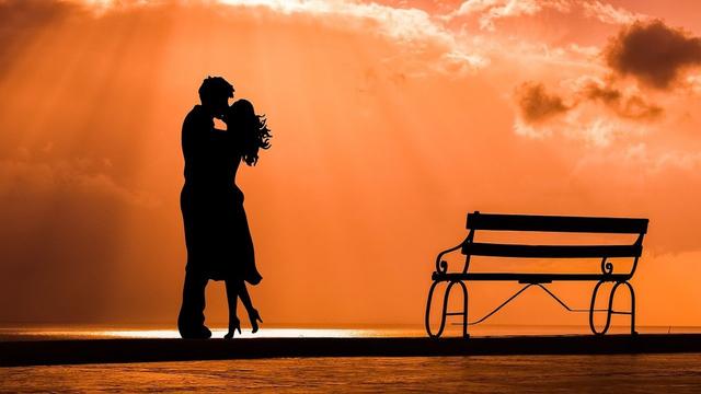 Cara-cara Pintar dan Cerdas Memperkuat Hubungan Percintaan (639667)