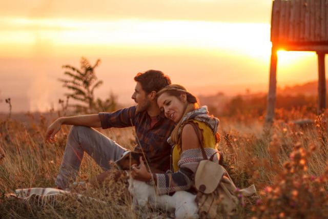 Cara-cara Pintar dan Cerdas Memperkuat Hubungan Percintaan (639668)