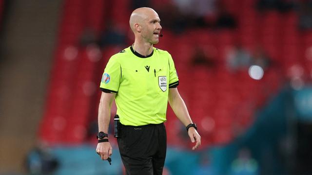 Ulah Wasit Inggris di Liga Champions: Salah Beri Kartu ke Pemain Dynamo Kyiv (107076)