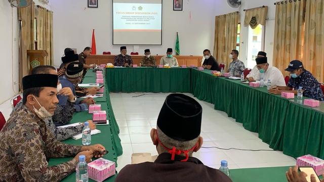 OTK Sebar Buku dan Selebaran Aliran Sesat ke Pedagang di Aceh Barat (75592)