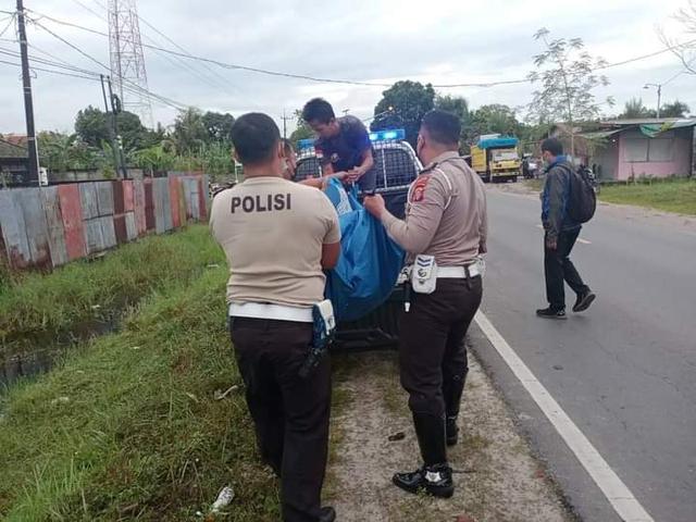 Ditabrak Lari, Pemotor di Palangka Raya Ditemukan Tewas Tertelungkup di Parit (842118)