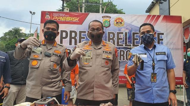 Polisi Buru Penadah Kasus Penggelapan 40 Mobil Rental di Depok (1243253)