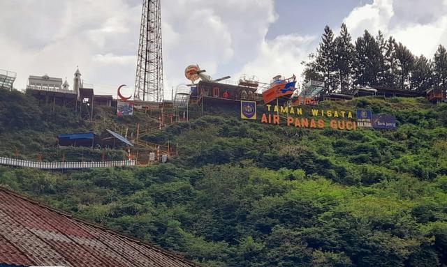 Kabupaten Tegal Level 3, Kuota Pengunjung Wisata Guci Kembali Diturunkan  (1015126)