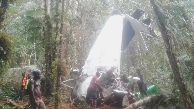 Black Box Pesawat Rimbun Air Ditemukan (75367)
