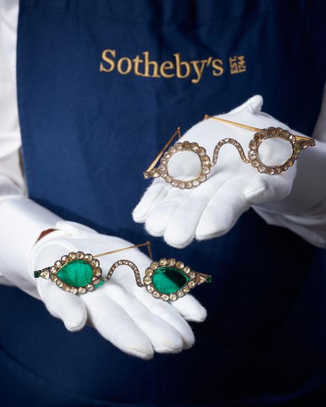 Penampakan Kacamata Abad 17 yang Akan Dilelang Hampir Rp 50 Miliar (2)