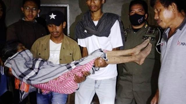 Wanita Paruh Baya di Kendari Ditemukan Terbaring di Toilet Rumah Kosong (23979)