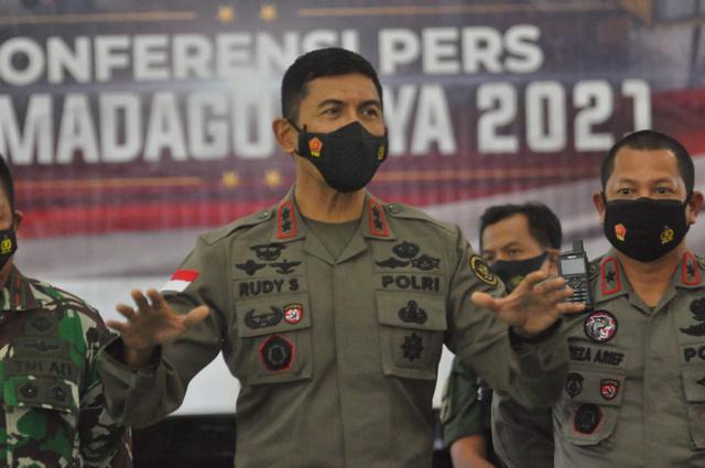 Kapolda Rudy Sufahriadi: Saya Tegaskan Tidak Ada Pengganti Pemimpin Teroris Poso (47215)