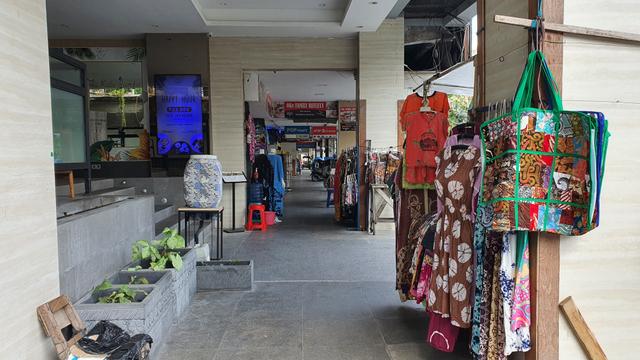 PKL Malioboro Sayangkan Adanya Aturan Ganjil Genap (51248)