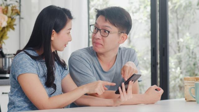 Ciri Suami Cuek Tapi Sayang Istri, Jangan Sampai Salah Paham Ya! (211658)