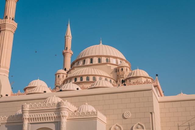 Bacaan Doa Keluar Masuk Masjid Sesuai Syariat Islam (233550)