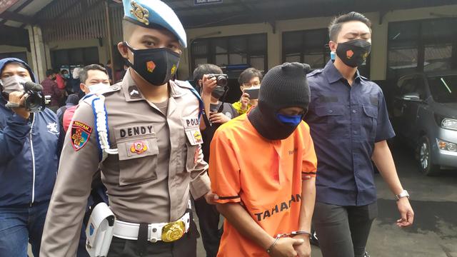 Terbakar Cemburu, Pria di Bandung Barat Aniaya Istri hingga Tewas (66042)